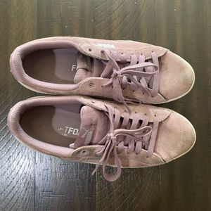 Puma 4.5 young girls need cleaning